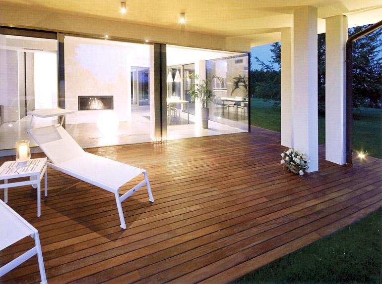 Awesome pavimenti da esterno per giardini terrazze - Rivestimenti per terrazzi esterni ...